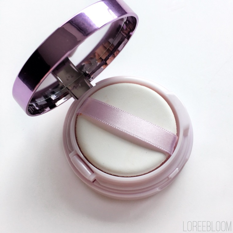 Loreal Nude Magique, Loreal Nude Magique Cushion, Foundation, Dewy Foundation, Priceline, Swatch, Loreal Nude Magique Cushion Foundation Review, Review, Glow, Loreal, Priceline, Australia, Melbourne, Target, Big W, Coles, natural makeup, natural foundation, glow foundation, Loreal Paris